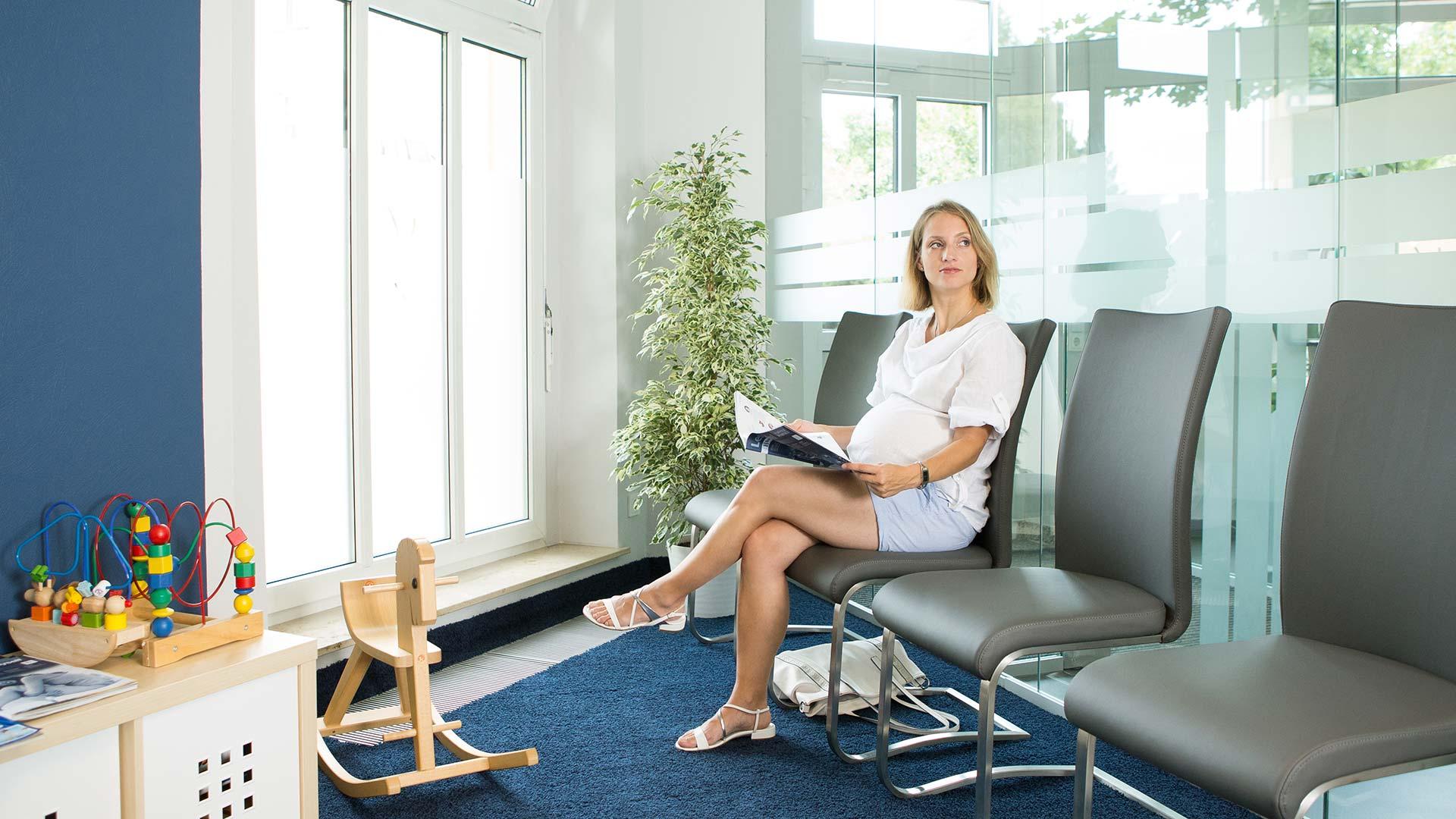 Frauenarztpraxis Semmler - Wartezimmer